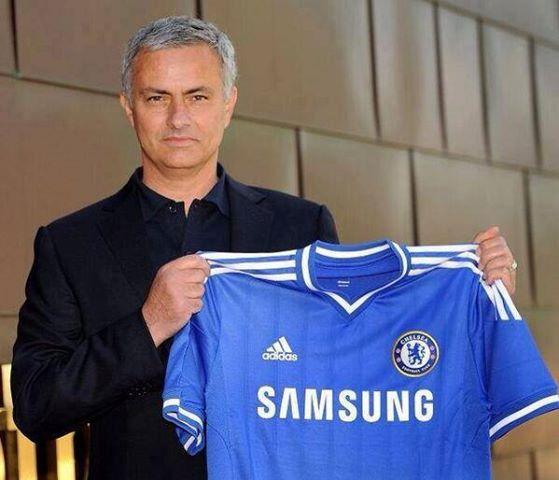 """José Mourinho, posiblemente el mayor valedor de la defensa """"súper-retrasada""""."""